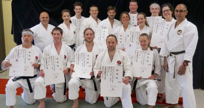 Les 14 karatékas de L'École martiale honorés